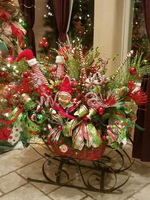 Creative Christmas Centerpieces Ideas That You Must See 26