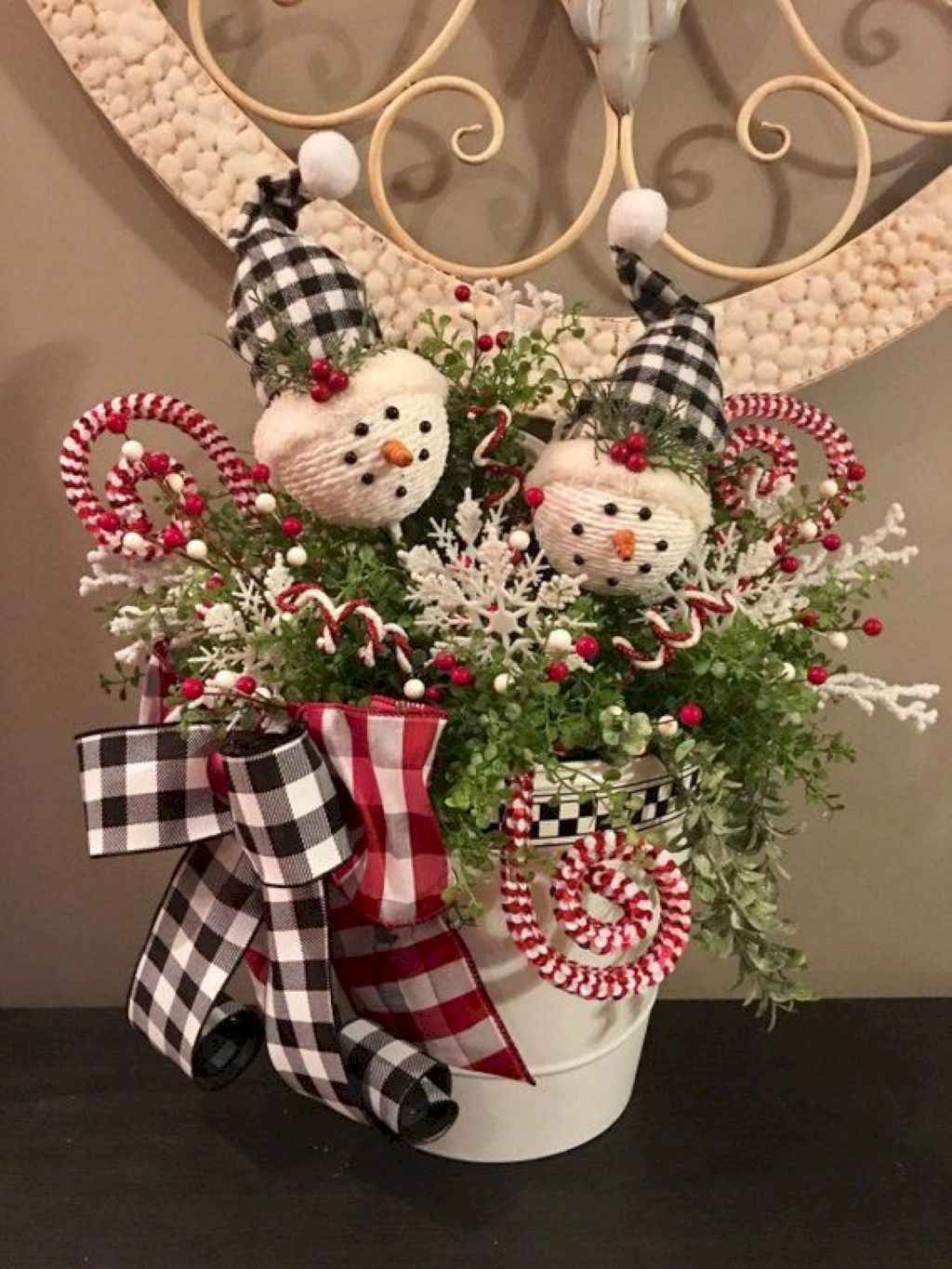 Creative Christmas Centerpieces Ideas That You Must See 46