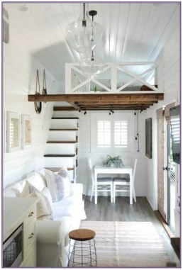Cute Tiny House Design Ideas On Wheels That You Must Have Now 18
