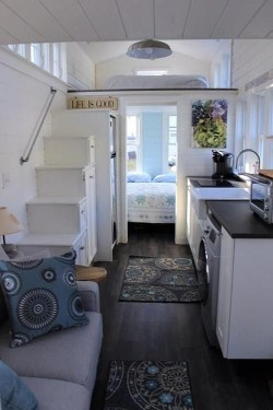 Cute Tiny House Design Ideas On Wheels That You Must Have Now 45