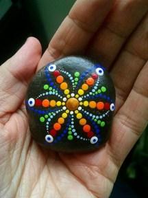 Elegant Diy Rock Painting Design Ideas That Looks Cool 02