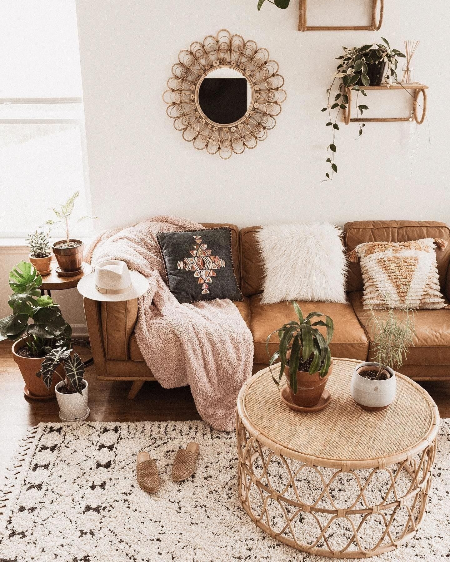 Fancy Sofa Design Ideas For Minimalist Living Room To Try 19