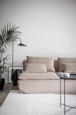 Fancy Sofa Design Ideas For Minimalist Living Room To Try 27