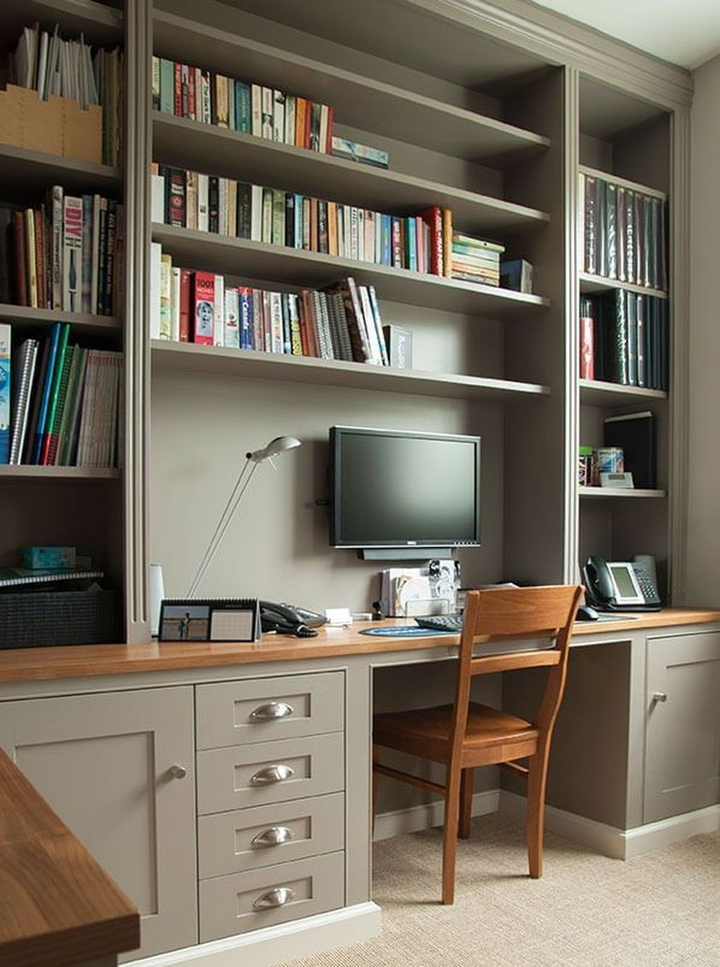 Gorgeous Traditional Small Home Office Design Ideas For You To Have 10