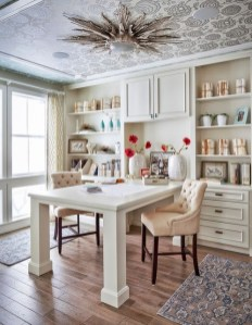 Gorgeous Traditional Small Home Office Design Ideas For You To Have 14