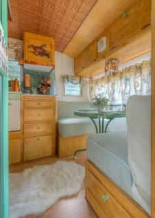 Incredible Rv Motorhome Interior Design Ideas For Summer Holiday 14
