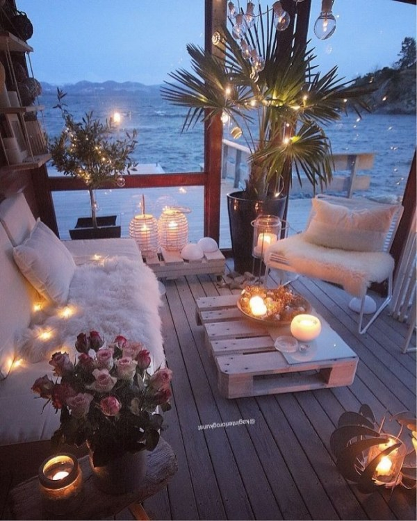 Popular Winter Patio Decorating Ideas To Try Asap 38