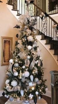 Wonderful Black Christmas Decorations Ideas That Amaze You 40
