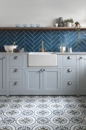 Affordable Kitchen Wall Tile Design Ideas To Try Right Now 17
