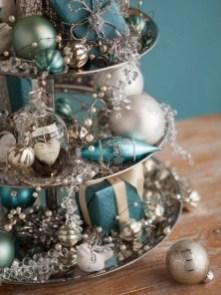 Beautiful Coastal Christmas Decor Ideas For Apartment To Try 01
