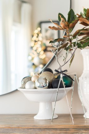 Beautiful Coastal Christmas Decor Ideas For Apartment To Try 07