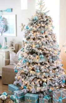 Beautiful Coastal Christmas Decor Ideas For Apartment To Try 21