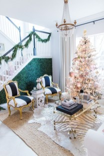Beautiful Coastal Christmas Decor Ideas For Apartment To Try 37