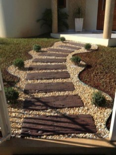 Beautiful Home Yard Design Ideas To Try Asap 04