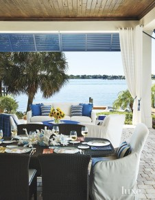 Beautiful Indoor And Outdoor Beach Dining Spaces Ideas To Copy Asap 29