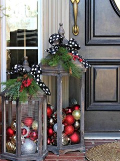 Comfy Christmas Front Porch Decor Ideas To Looks More Elegant 01