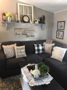 Comfy Farmhouse Living Room Decor Ideas To Try This Year 11