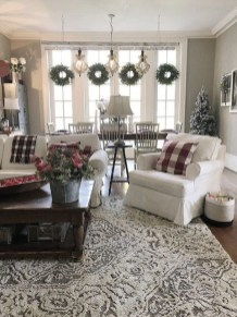 Comfy Farmhouse Living Room Decor Ideas To Try This Year 12