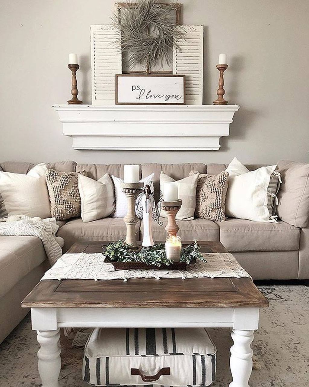 Comfy Farmhouse Living Room Decor Ideas To Try This Year 13