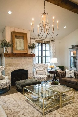 Comfy Farmhouse Living Room Decor Ideas To Try This Year 15