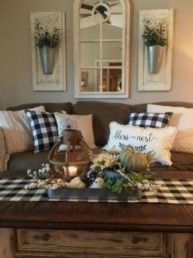 Comfy Farmhouse Living Room Decor Ideas To Try This Year 27