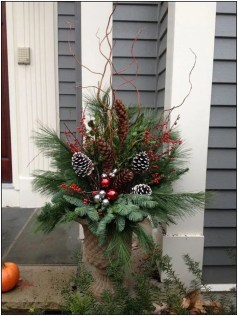 Cozy Outdoor Christmas Decor Ideas To Have Asap 30