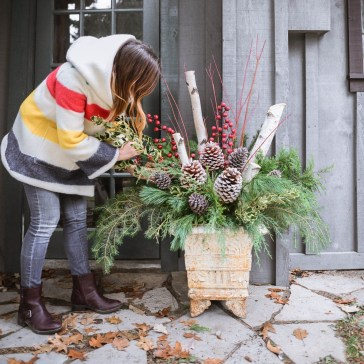 Cozy Outdoor Christmas Decor Ideas To Have Asap 36