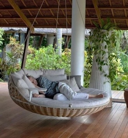 Creative Swing Chairs Garden Ideas That Looks Adorable 12