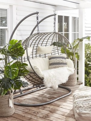 Creative Swing Chairs Garden Ideas That Looks Adorable 19