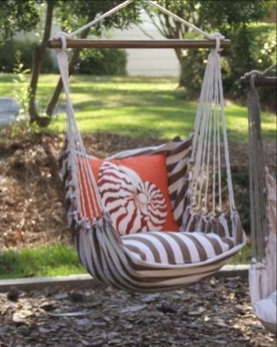 Creative Swing Chairs Garden Ideas That Looks Adorable 30