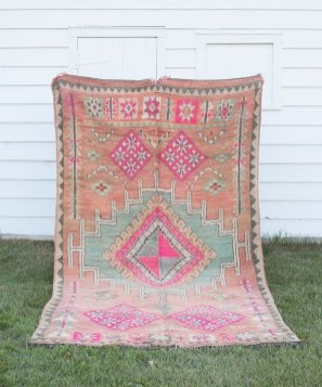 Fancy Colorful Moroccan Rugs Decor Ideas That You Need To Know 33