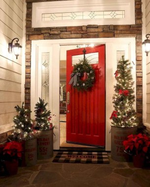 Inspiring Diy Christmas Door Decorations Ideas For Home And School 08