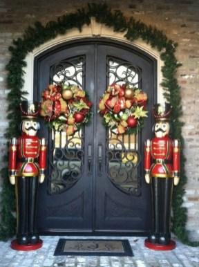 Inspiring Diy Christmas Door Decorations Ideas For Home And School 25