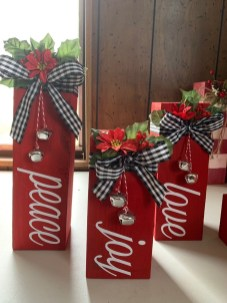 Inspiring Diy Christmas Door Decorations Ideas For Home And School 32