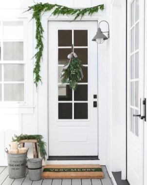 Inspiring Diy Christmas Door Decorations Ideas For Home And School 33