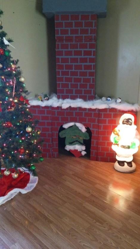 Inspiring Diy Christmas Door Decorations Ideas For Home And School 37