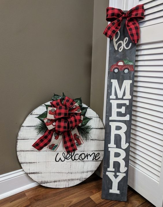 Inspiring Diy Christmas Door Decorations Ideas For Home And School 38