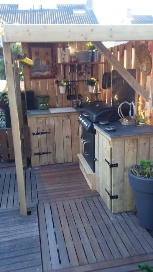 Luxury Outdoor Kitchen Design Ideas That Brings A Cleaner Looks 40
