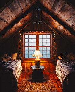 Affordable Small Log Cabin Ideas With Awesome Decoration 29