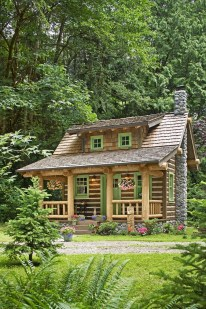 Affordable Small Log Cabin Ideas With Awesome Decoration 30