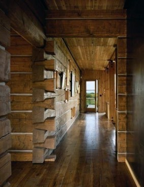 Affordable Small Log Cabin Ideas With Awesome Decoration 33