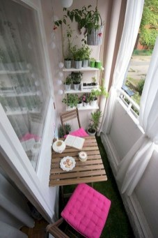 Comfy Apartment Balcony Decorating Ideas That Looks Awesome 07