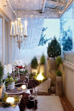 Comfy Apartment Balcony Decorating Ideas That Looks Awesome 18
