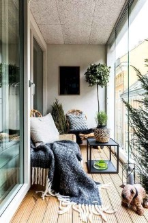 Comfy Apartment Balcony Decorating Ideas That Looks Awesome 20