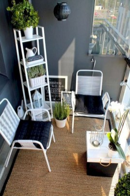 Comfy Apartment Balcony Decorating Ideas That Looks Awesome 27