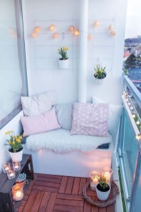 Comfy Apartment Balcony Decorating Ideas That Looks Awesome 40