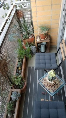 Comfy Apartment Balcony Decorating Ideas That Looks Awesome 42