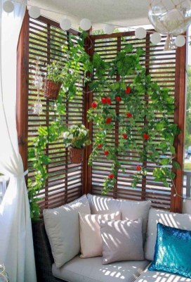 Comfy Apartment Balcony Decorating Ideas That Looks Awesome 43