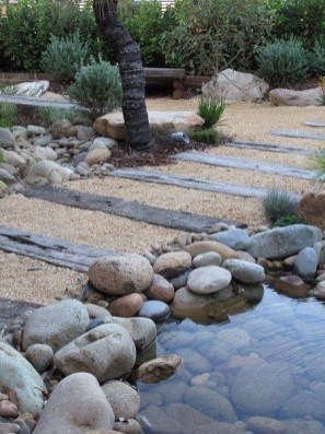 Delicate Garden Landscaping Design Ideas Using Rocks Stone To Try 06