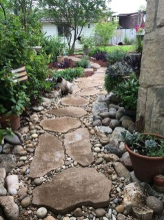 Delicate Garden Landscaping Design Ideas Using Rocks Stone To Try 32